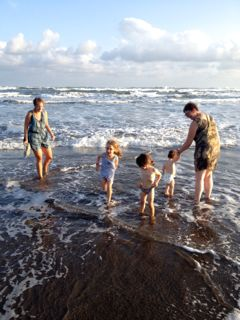 Beachfun with granny and aunty