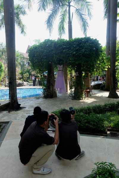 Fotographing the bride's dress
