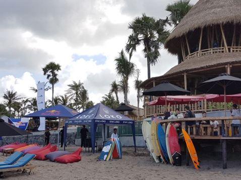 Finn's Beach Club