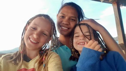 Met Irma, onze lieve stagestudente toerisme, die met 12 dagen met ons meereist.